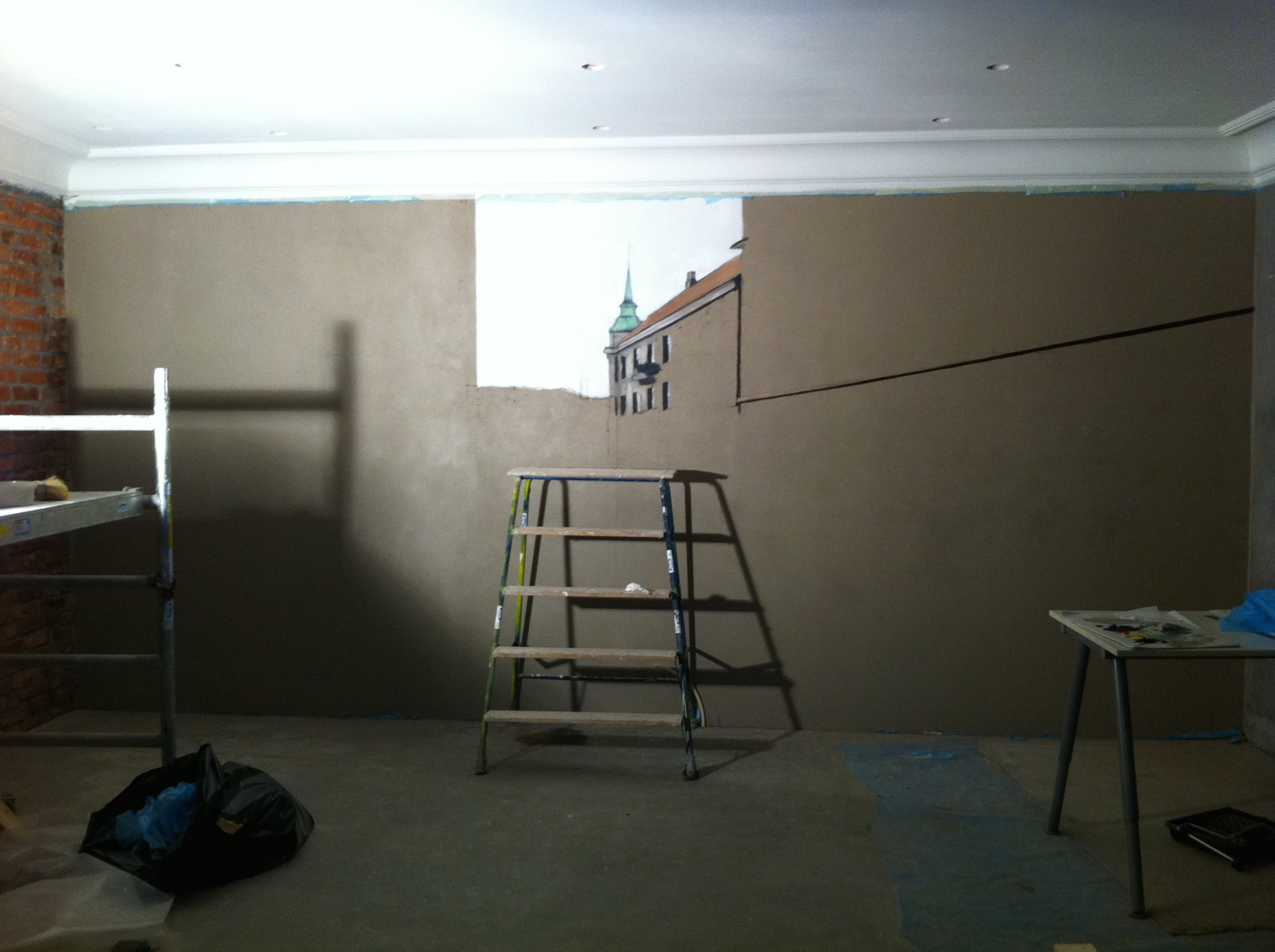 The first day of painting on the wall